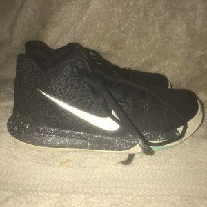 Nike Shoes - Boys/girls basketball sneakers